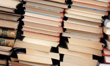 Piles-of-books-001