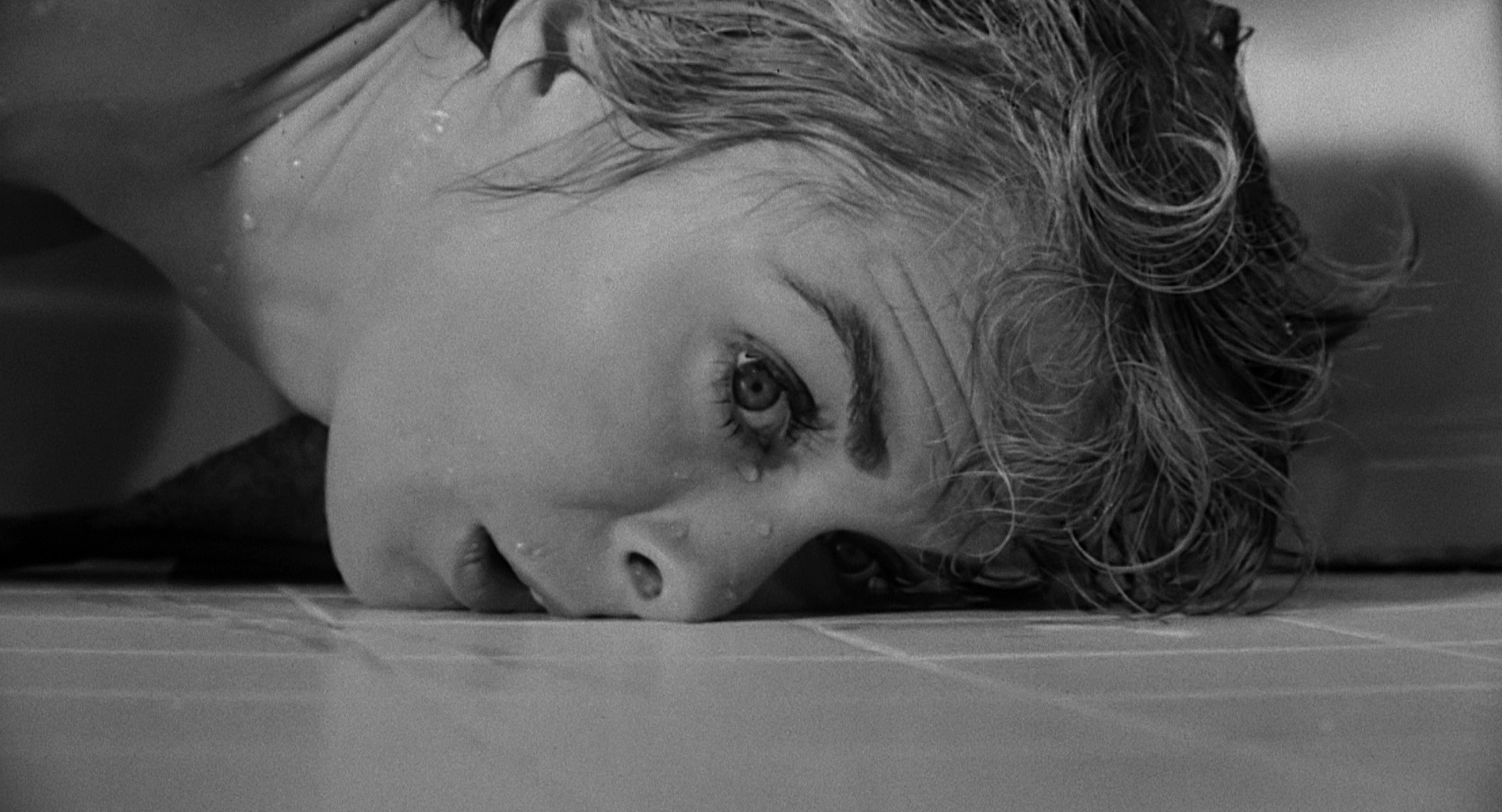 """an analysis of the opening sequence in psycho by alfred hitchcock The opening shot is an aerial shot from the sky,  film analysis of alfred hitchcock's """"psycho"""" introduction """"psycho"""" (1960) is based on a novel of the ."""